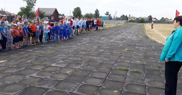 Спортивный праздник посвященный Дню поселка в Решетихе